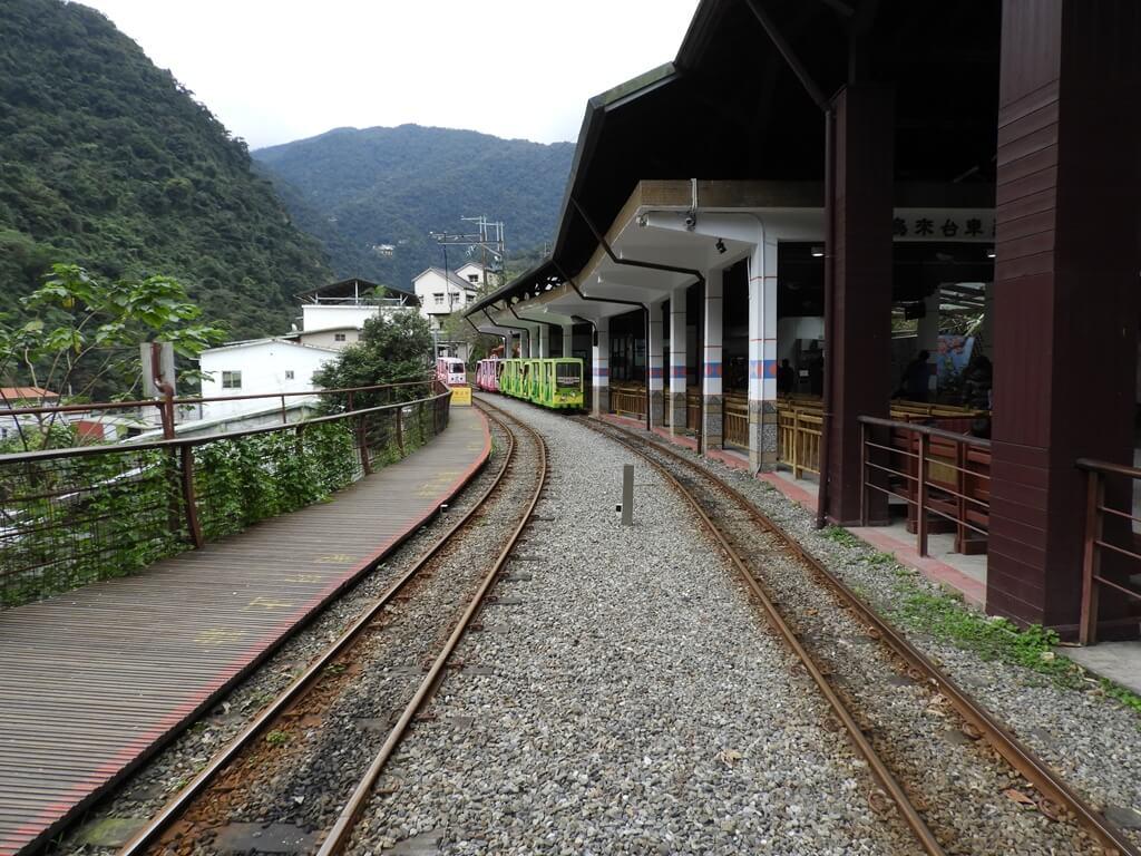 烏來台車的圖片:烏來站的台車軌道