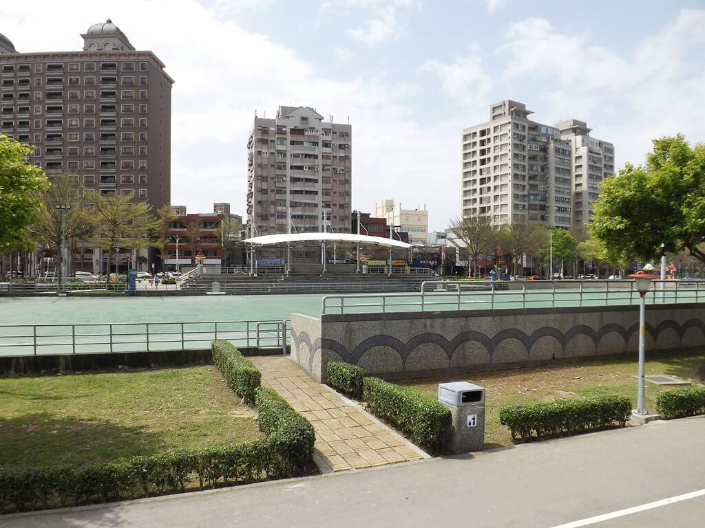 桃園市三民運動公園的圖片:溜冰場(123659213)