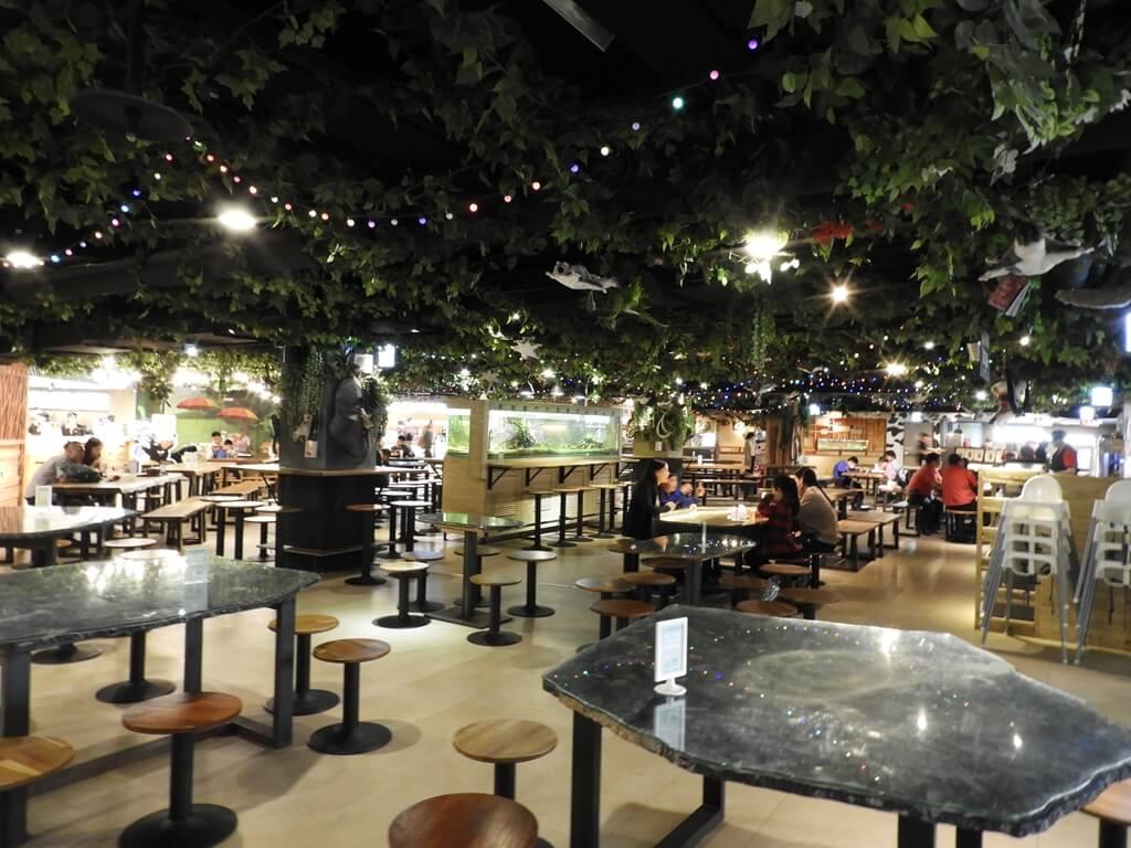 國立臺灣科學教育館的圖片:孔龍食場內的用餐環境