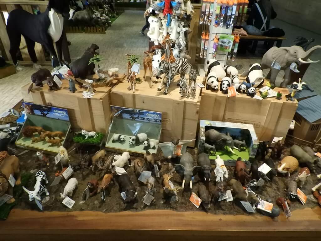國立臺灣科學教育館的圖片:各式各樣的動物公仔