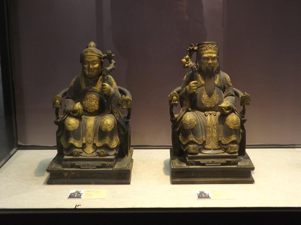 桃園市土地公文化館的圖片:非常有歷史的土地公與土地婆像