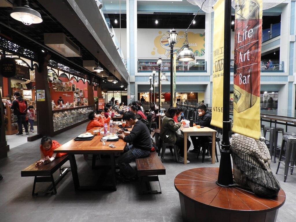 國立臺灣科學教育館的圖片:2F 走道露天用餐區