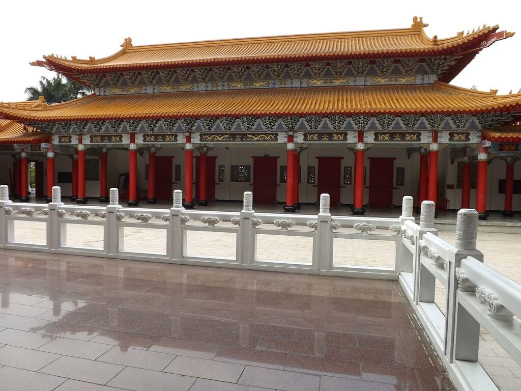 桃園市孔廟的圖片:大成殿上拍攝大成門