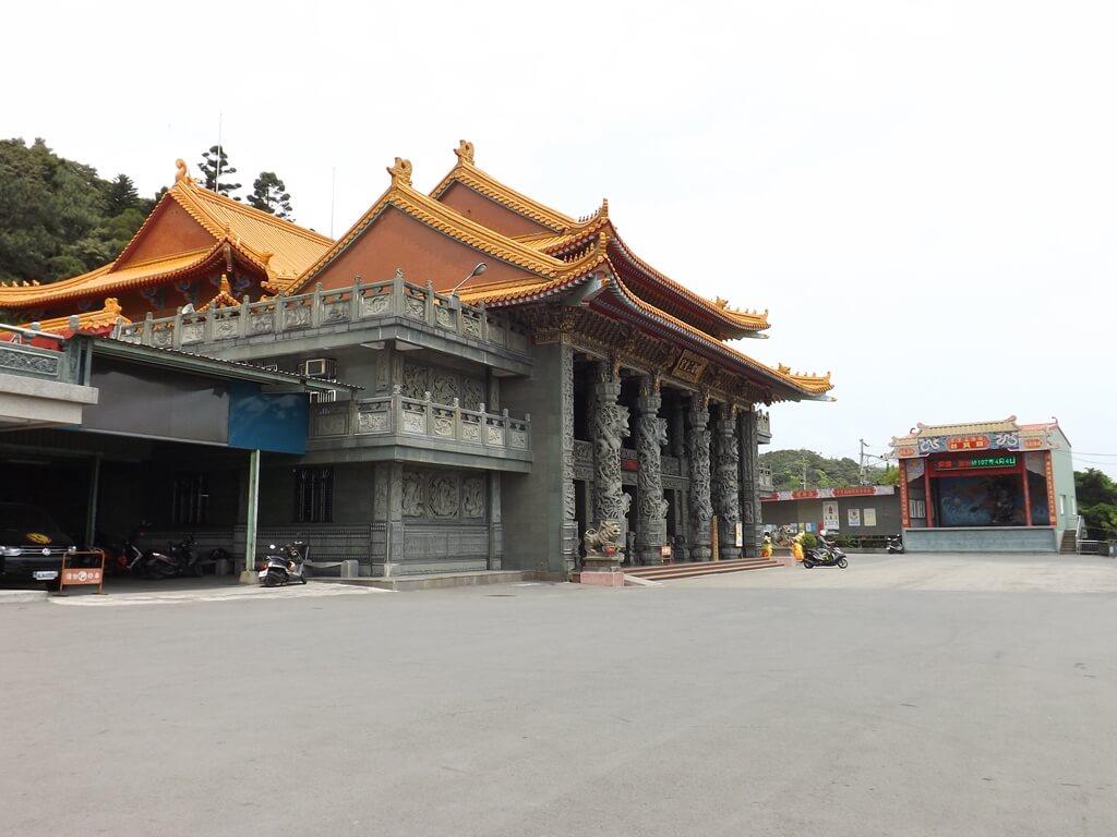 桃園明倫三聖宮的圖片:明倫三聖宮、日月台及宮前廣場