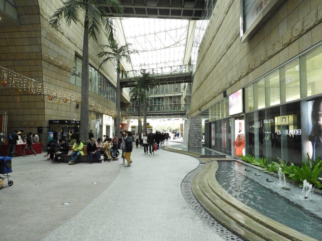 美麗華百樂園的圖片:1F 中央走道(123659558)