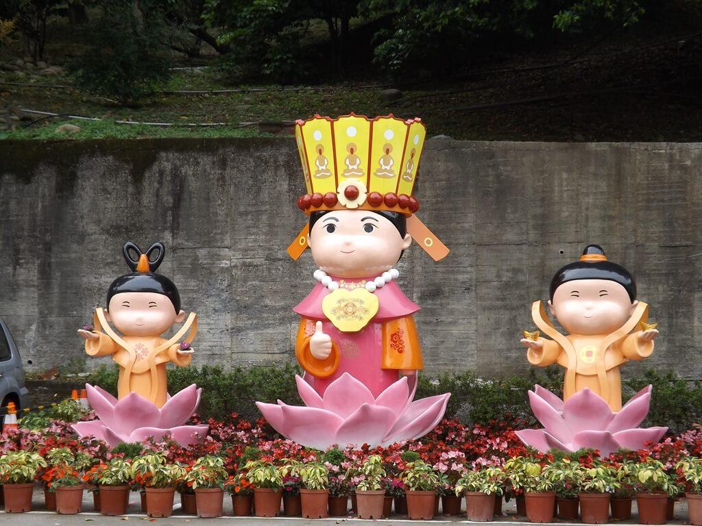壽山巖觀音寺的圖片:超大且很可愛的媽祖娃娃