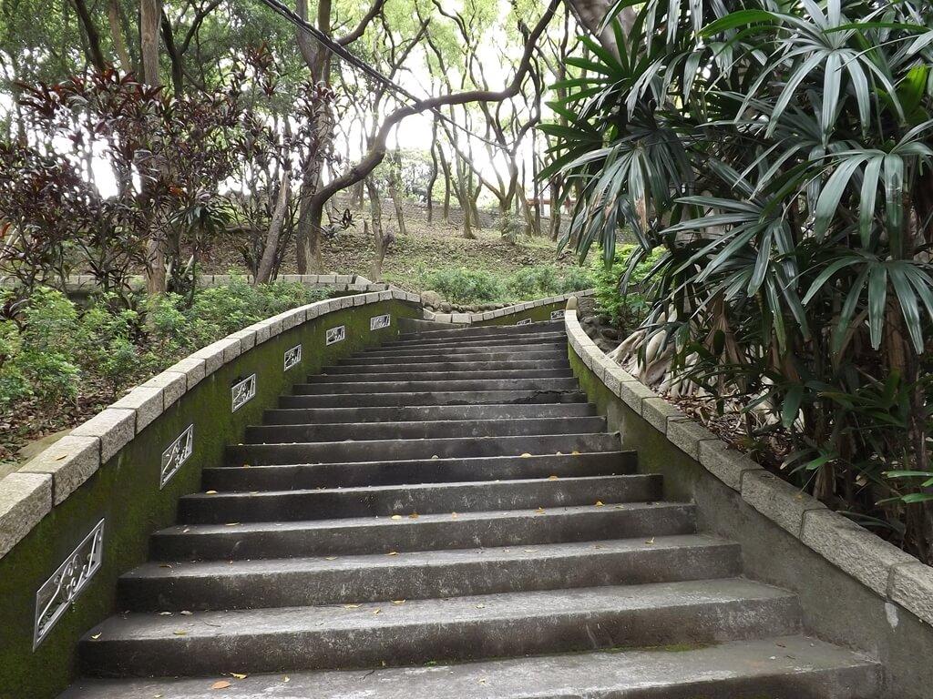 壽山巖觀音寺的圖片:公園的階梯步道