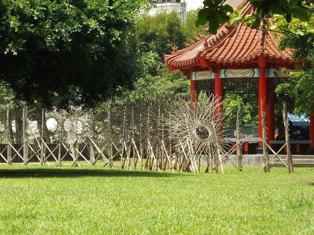 大溪埔頂公園的圖片:草地上的竹編藝術地景