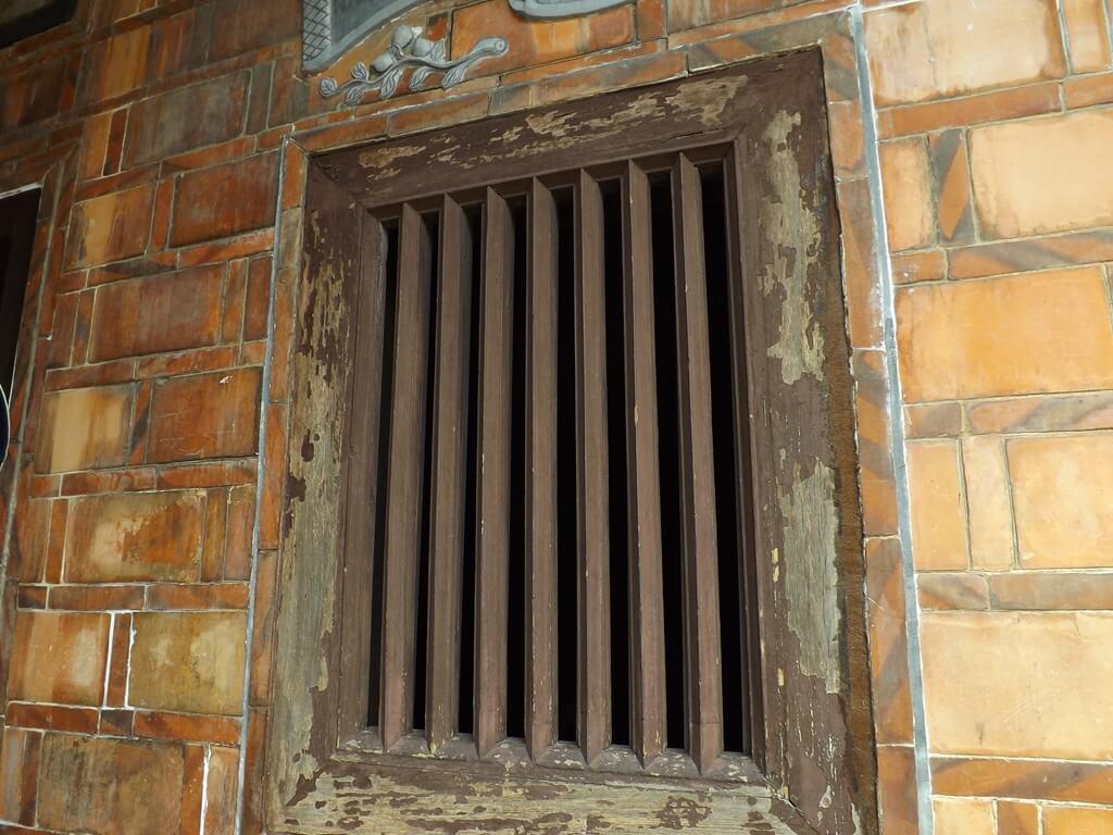 李騰芳古宅的圖片:七根木欄窗
