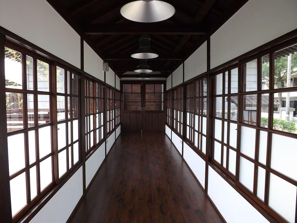 大溪武德殿的圖片:通廊回到武德殿大廳堂方向