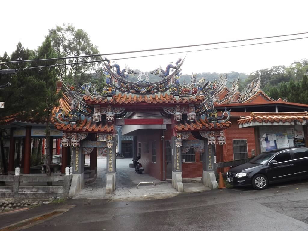 內灣老街的圖片:廣濟宮牌樓