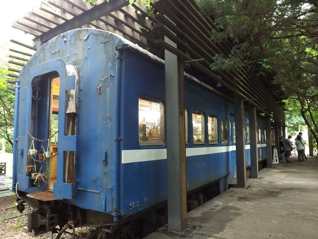 合興車站的圖片:懷舊的普通車列車廂