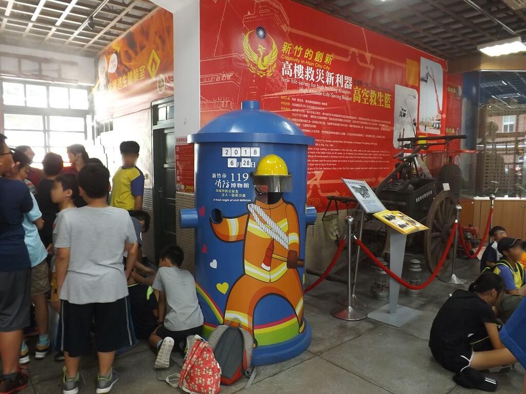 新竹市消防博物館的圖片:現場擠滿了參觀的小朋友們