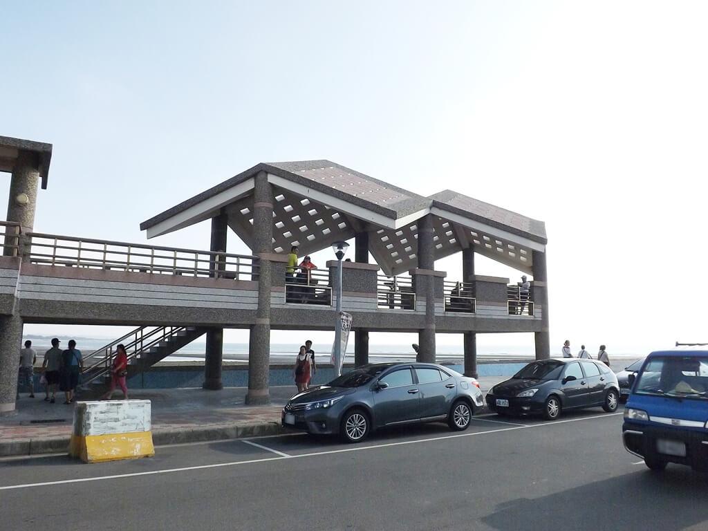 永安漁港的圖片:夏季傍晚的永安觀海亭