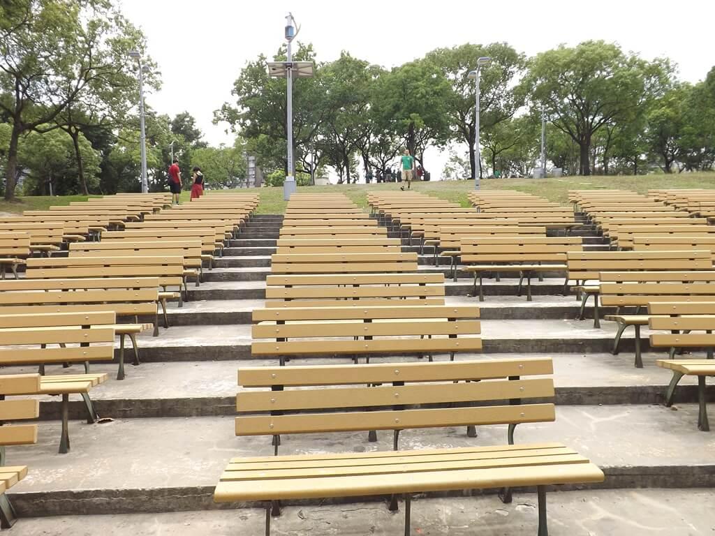 大安森林公園的圖片:整齊的露天音樂台觀眾席