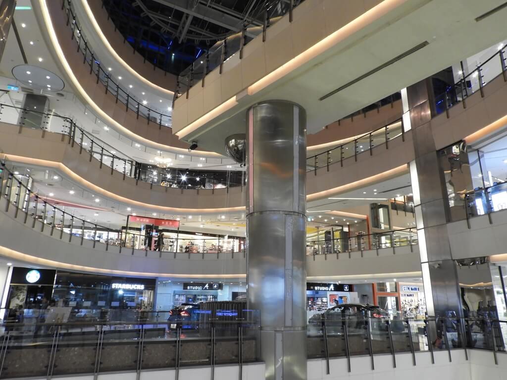 大江購物中心 MetroWalk