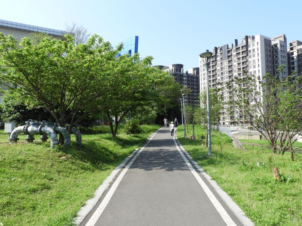 中壢老街溪步道的圖片:新勢公園旁的老街溪步道(123660486)