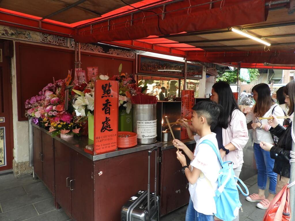 台北霞海城隍廟的圖片:點香處
