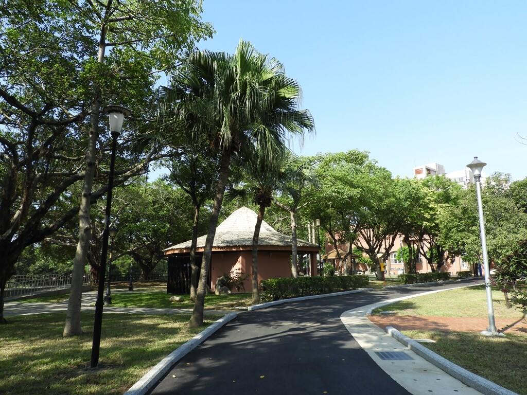 中壢藝術園區的圖片:舒適的新柏油步道