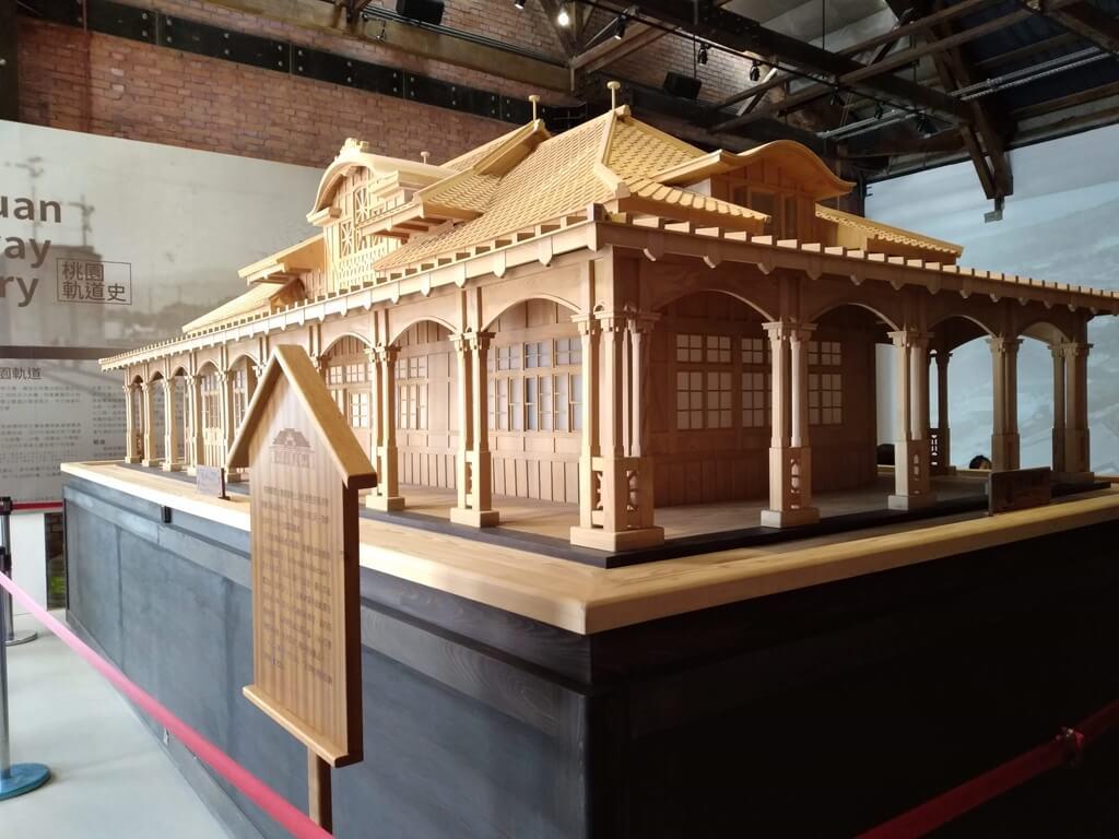 桃園軌道願景館的圖片:木造舊桃園車站模型